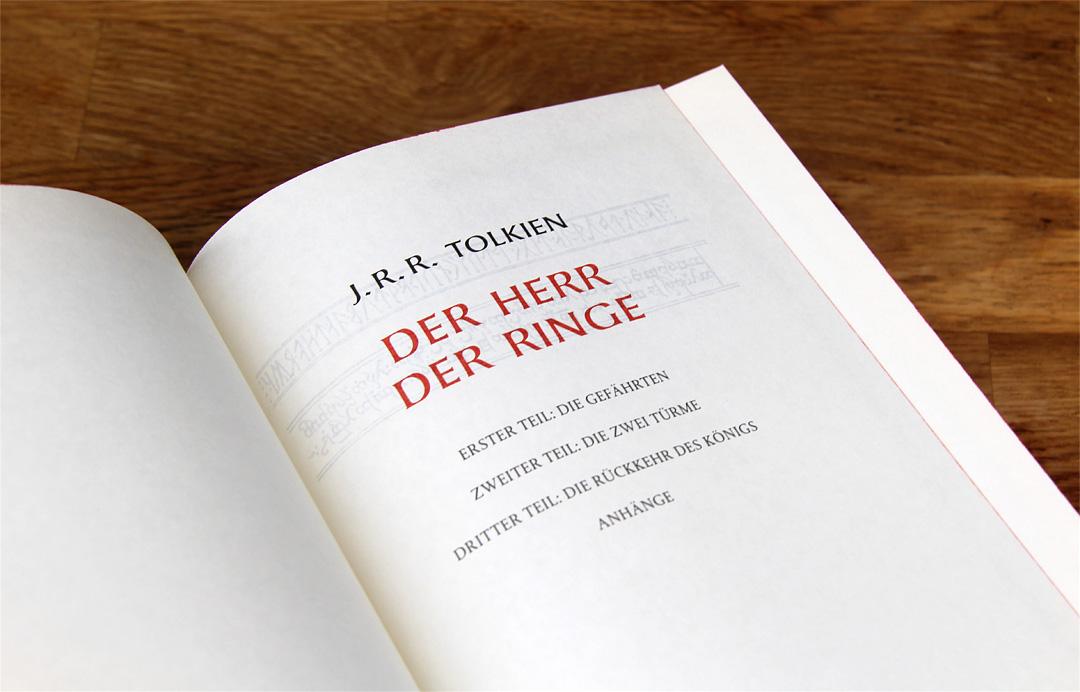 Bei dem neu gebundenen Buch handelt es sich um die Ausgabe übersetzt von Margaret Carroux aus dem Klett Cotta Verlag